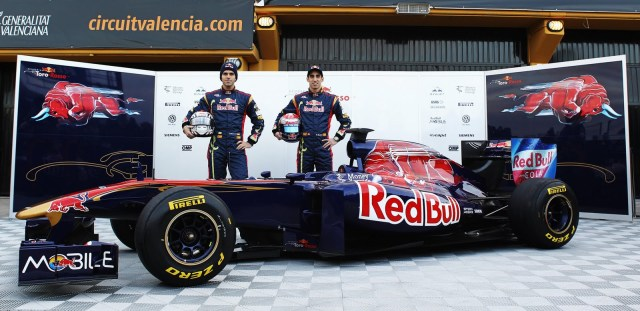 https://beckyloria.files.wordpress.com/2011/10/108112792kr002_toro_rosso_f.jpg